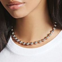 Load image into Gallery viewer, Chunky silver bead necklace