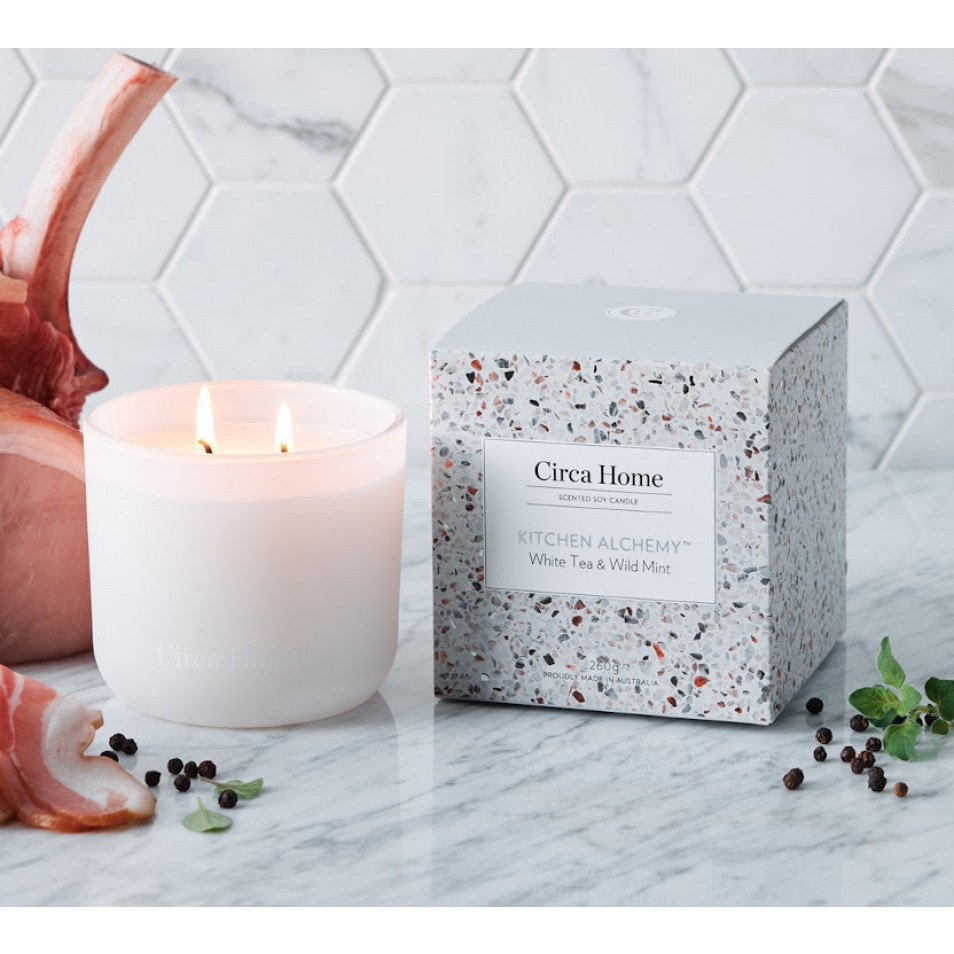 Circa Home Kitchen Alchemy White Tea & Wild Mint 260g Soy Candle