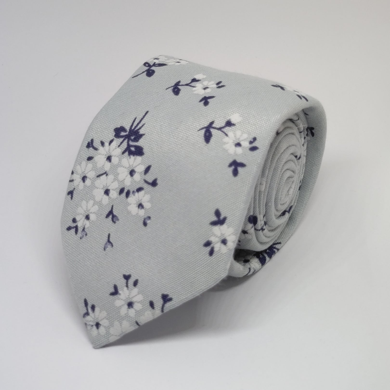 Woven Floral Tie