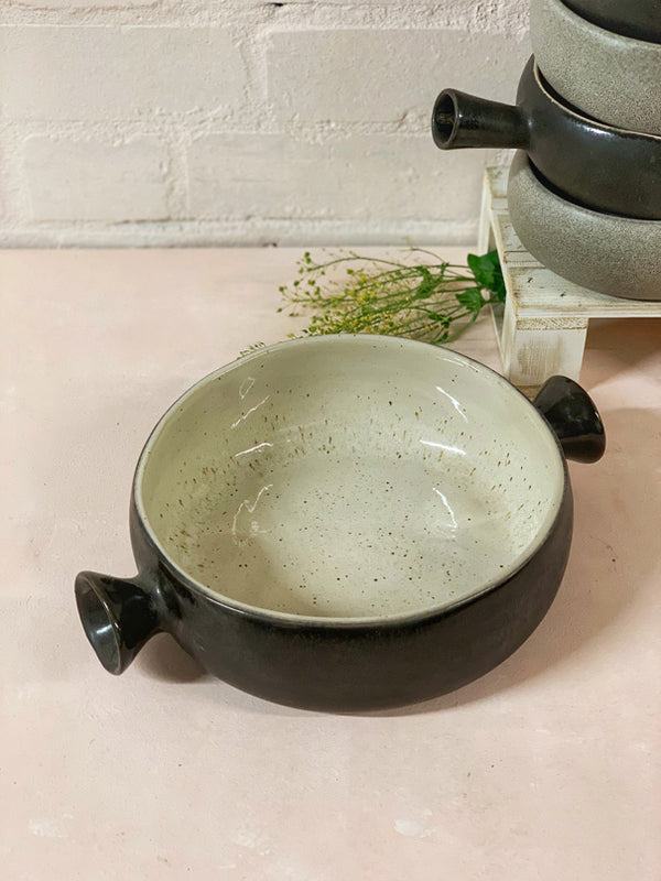 Roberta Large Oven-to-Table Round Casserole Dish