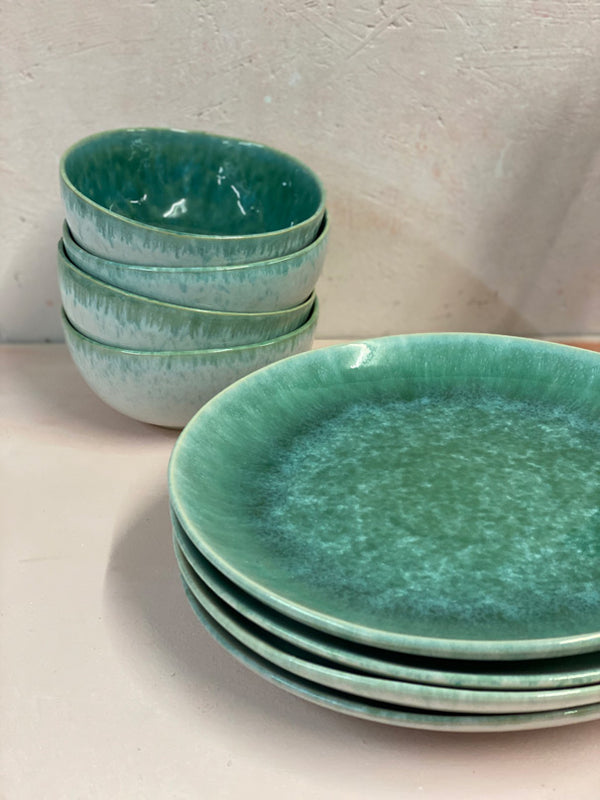Aelia Green Dinner Set (4, 6 or 8 people)