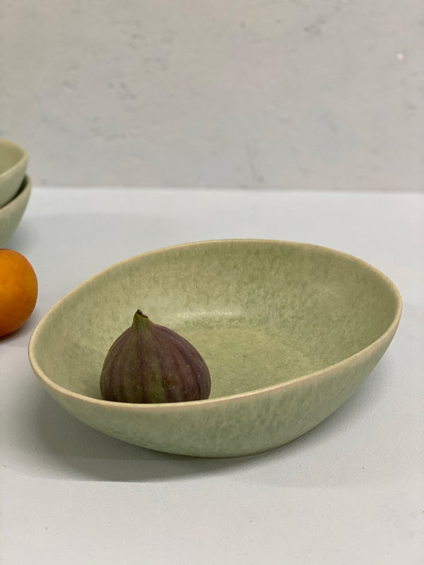 Emilija Pasta Bowl (uneven, light green)