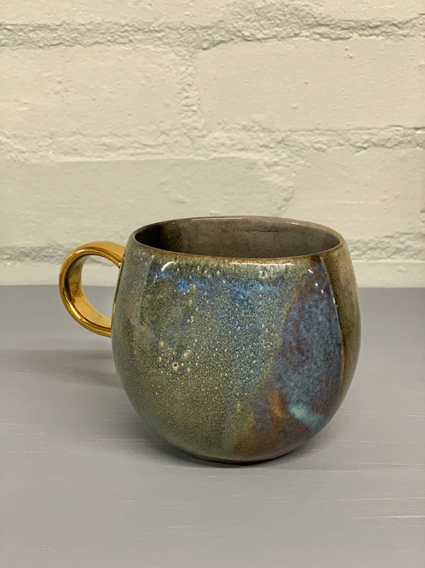 Lola Large Mug with Gold Details