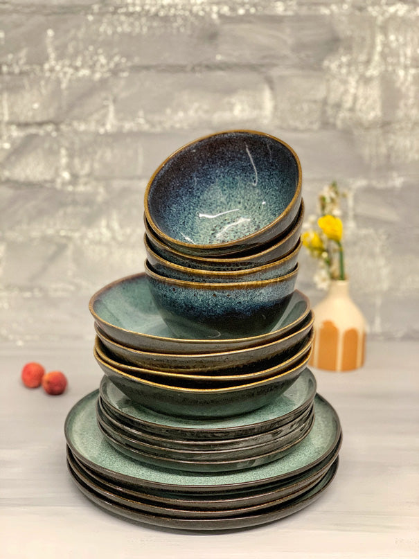 Gaia Dinner Set (4 or 6 People - 16 & 24 piece settings)
