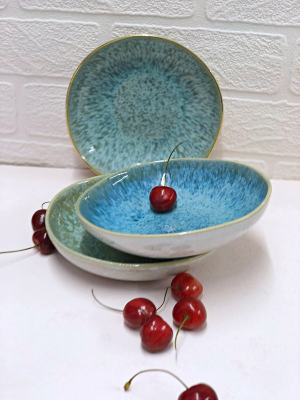 Small Round Serving Dishes (Léonor & Matilde)