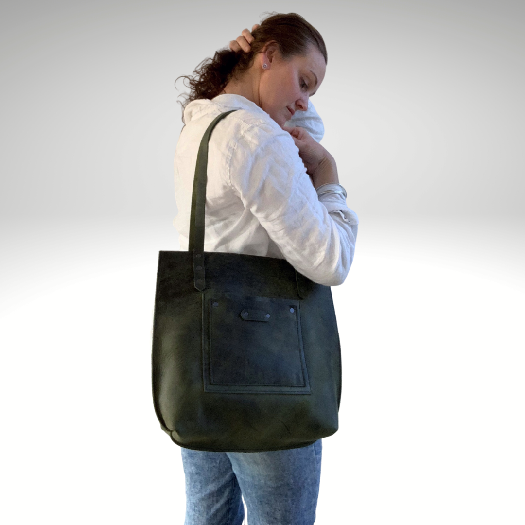 The Signature Leather Tote Bag - Green