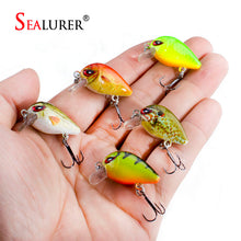 Load image into Gallery viewer, SEALURER 5PCS/Lot 1.8g 3cm Topwater 0.1-0.5m Wobbler Japan Mini Crankbait 5Baits with Plastic Box Fly Fishing Lure Crazy Wobbler