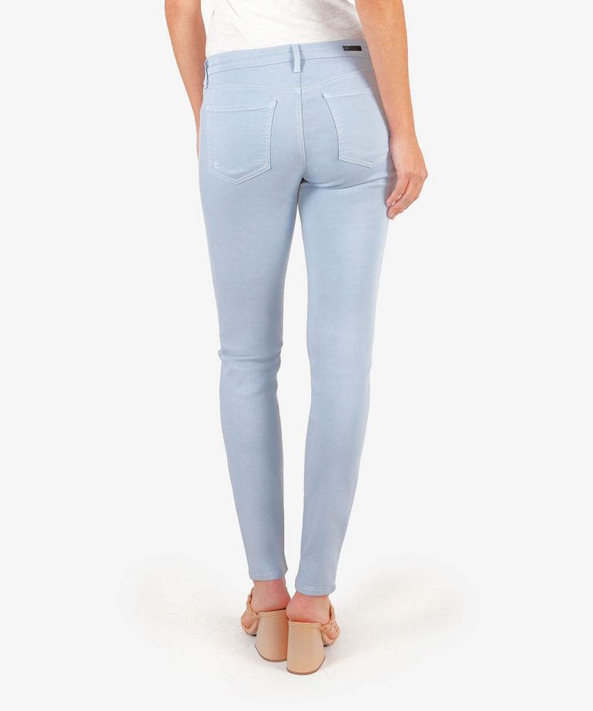 Diana Color Relaxed Fit Skinny, Exclusive (Powder Blue)