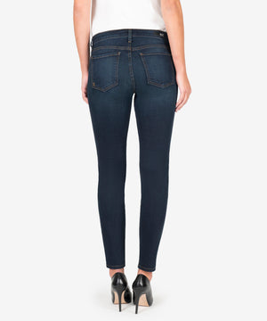 DIANA RELAXED FIT SKINNY (CHERISHING WASH)