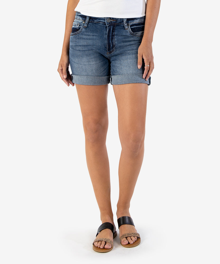 Chloe Boyfriend Short (Trustful Wash)