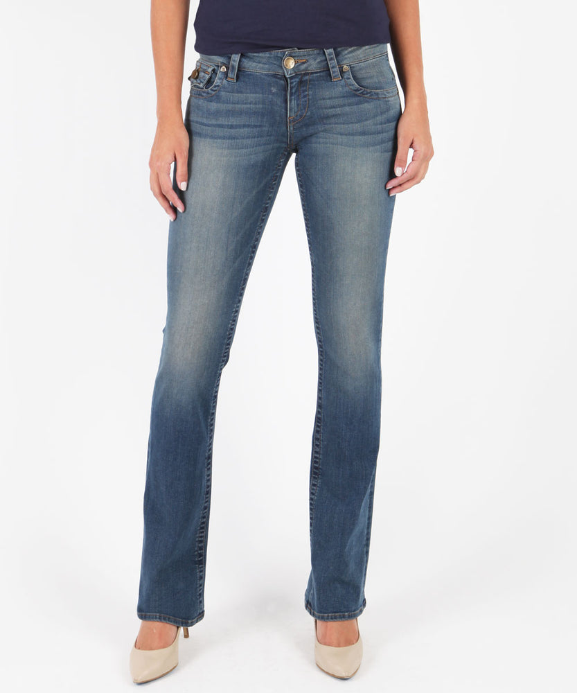 Kate-Low Rise Bootcut, Exclusive (Congratulate Wash)