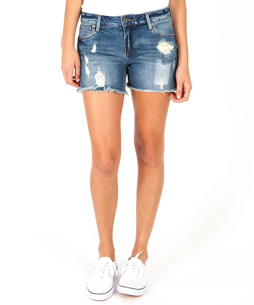 Gidget Fray Hem Short (Debuted Wash)