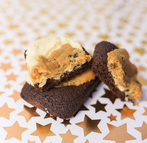 Logan, Utah's Num Gourmet Desserts baked these keto-friendly brownie cookies for your next girl's night. cookie brownie, keto cookie brownie, keto desserts logan utah, num gourmet desserts, logan utah desserts, low carb cookie brownie #NumGourmetDessrts #LoganUtah #LoganUtahDessert #KetoDessert #KetoBreakfast #KetoSweets #DiabeticFriendlyDesserts #KetoDiet #GuiltFreeDessert #HighProteinDessert