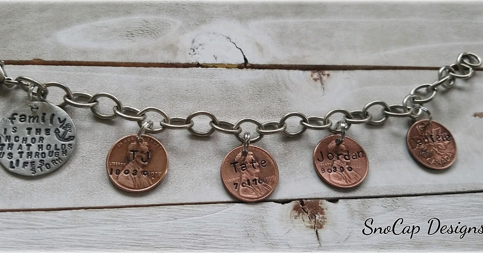 Personalized penny bracelet - Hand stamped - Names - Birth year - Mother's Day Gift - Unique Gift