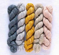 Manos Fino Mini Skeins - 18 Ursula