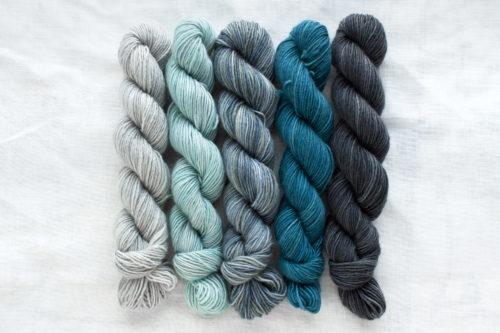 Manos Fino Mini Skeins - 1 Augusta