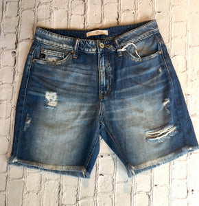 Kan Can Distressed Short