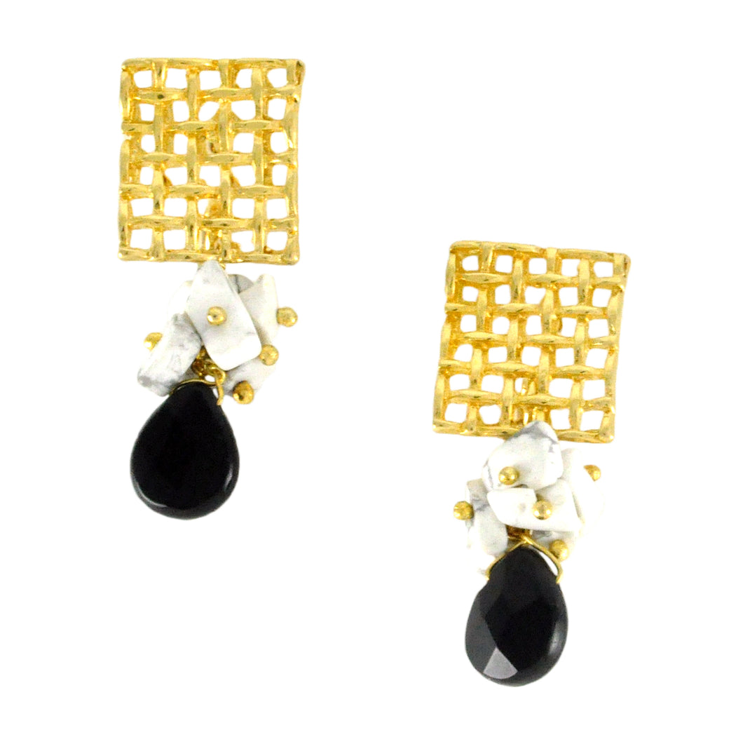 SE444ON Gold Earrings with Onyx and Howlite