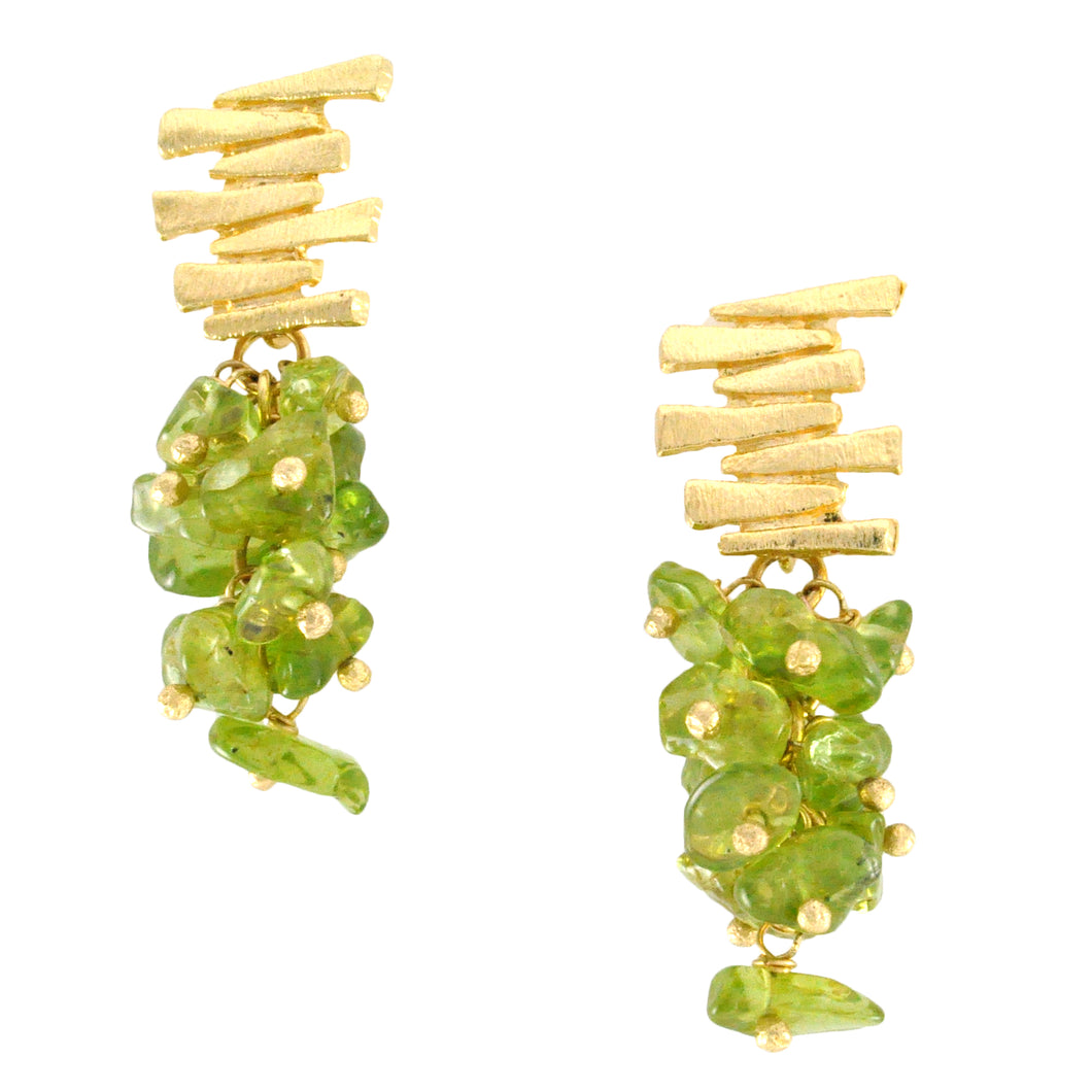 SE547PD Gold Plated Earrings with Peridot