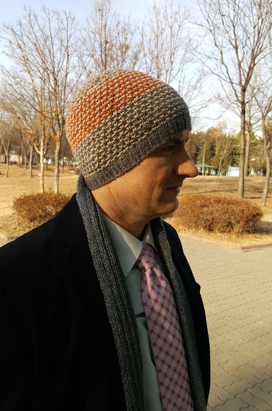 easy hat for knit beginners with slipped stitch color work