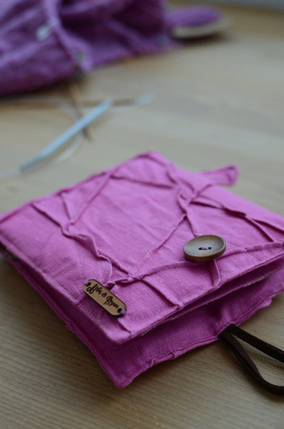 the best knitting needle case for knitting circle and knitting outs. A perfect gift for knit beginners.