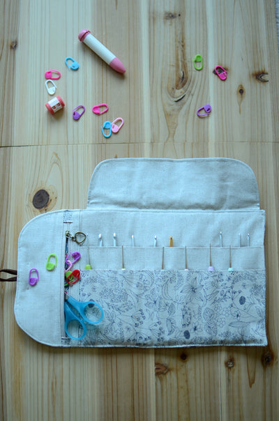 Crochet hook organizer with a handy zipper pocket