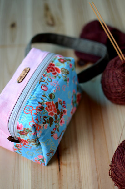 Small project bag for easy commuting/ light pink with festive floral