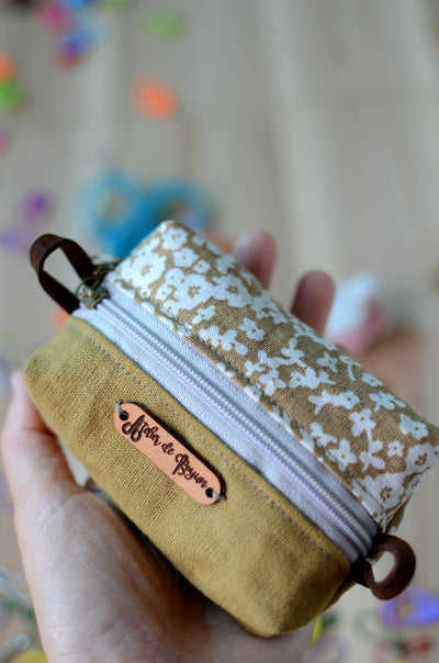 Handy mini box storage for your knit essentials/ Coffee and Flower