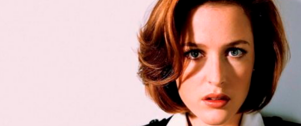 LA AGENTE DANA SCULLY.