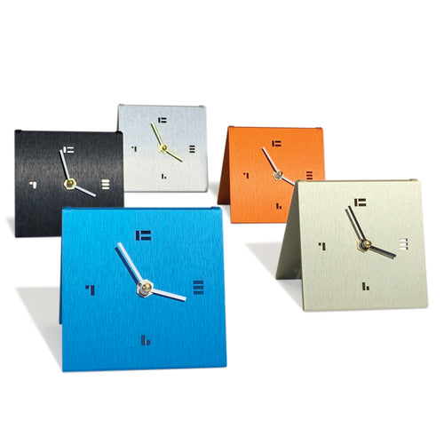 The SimpleDesk Clock