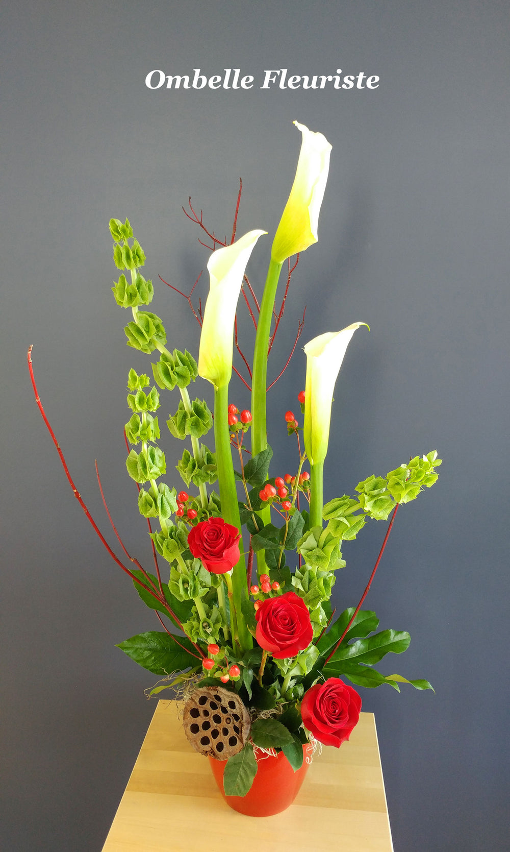 Arrangement floral Calla Roses rouges