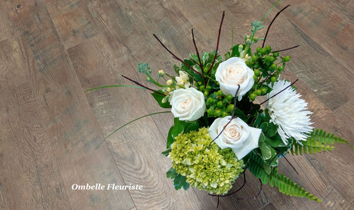 Bouquet funéraire roses blanches rond