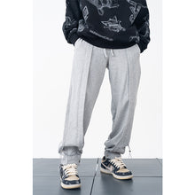Load image into Gallery viewer, Pleated Adjustable Sweatpants