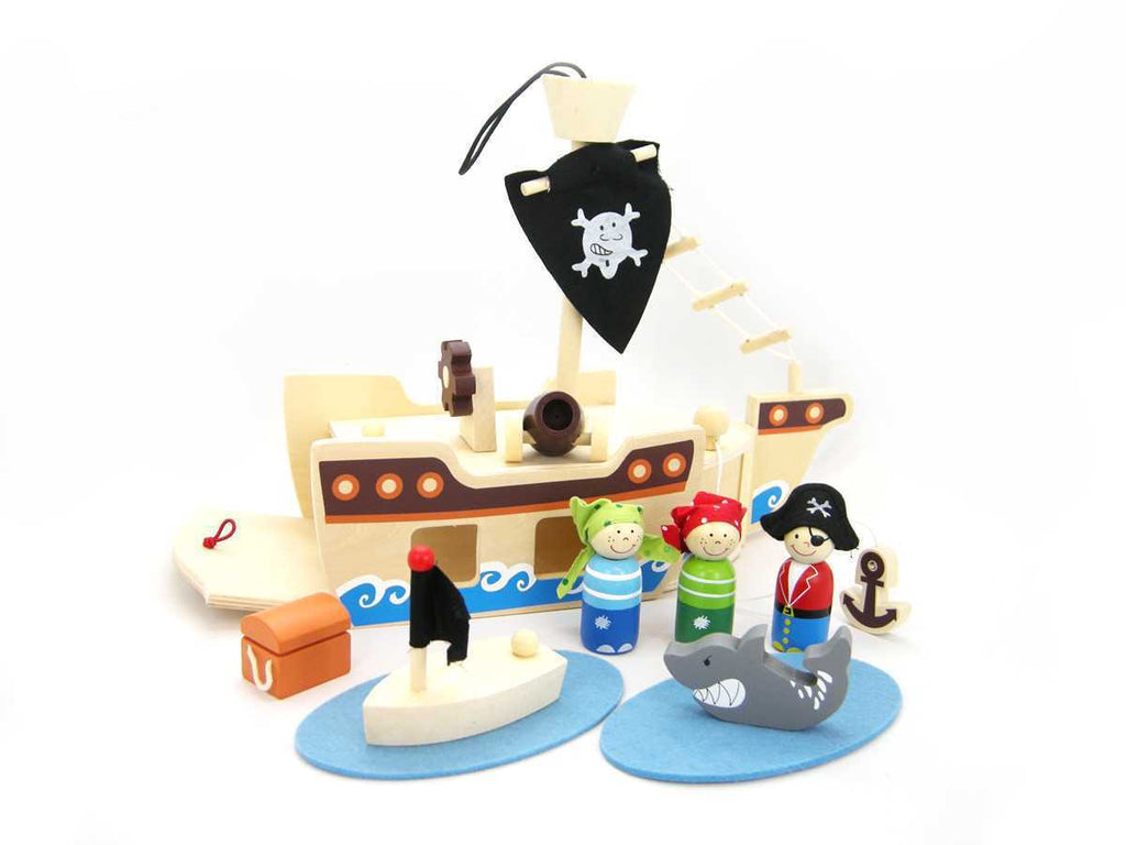 WOODEN PIRATE PLAYSET