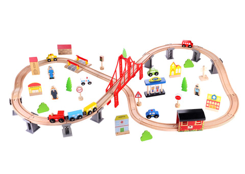 WOODEN TRAIN SET 70PCS