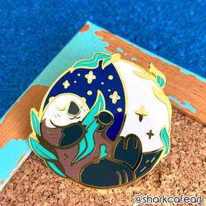 Lunar Otter Pin (FLAWED)