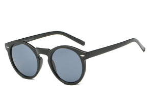 women modern fashion sunglasses with black frame and smoke lens