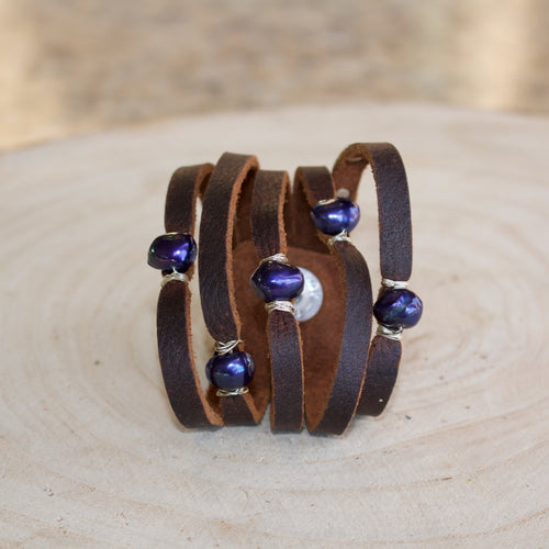 Cinco leather wrap blue pearl Bracelet