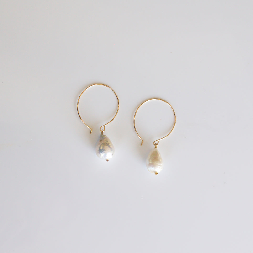 Selina Baroque Pearl Earrings-Liv & B
