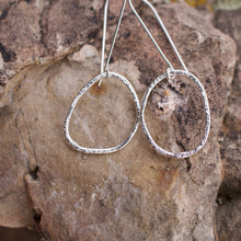 Load image into Gallery viewer, Molly long silver hoops