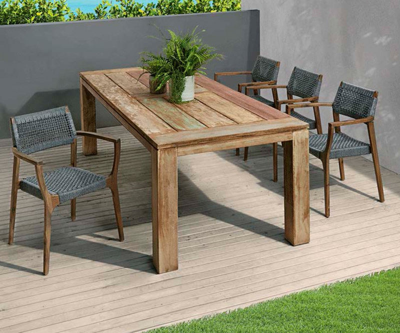 boat look outdoor dinning table