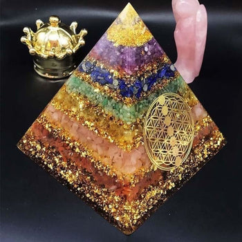 Pyramide Orgonite '7Chakras' - Décorations