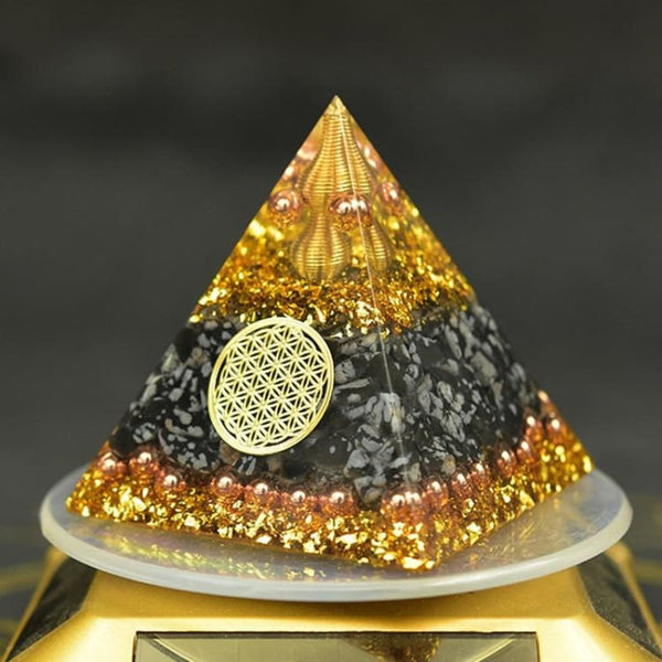 Pyramide Orgonite 'Relaxation et Protection'