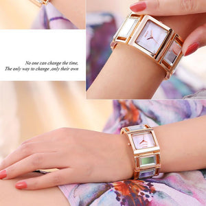 3asybuy Women's Bracelet Watches WEIQIN Luxury Hardlex Gold Mirror Strap Women's Bracelet Watches