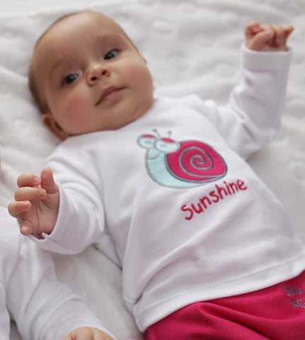 BABY OUTFIT. Pink SNAIL. BABY NAME SHIRT!