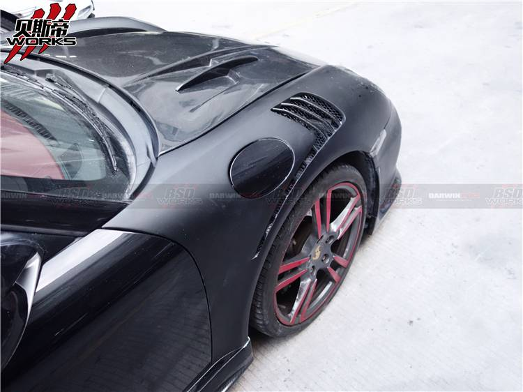 09-12 Carrera 911 997.2 GT3 RS Style Louvered Fenders w/ Carbon Fiber Louver 997