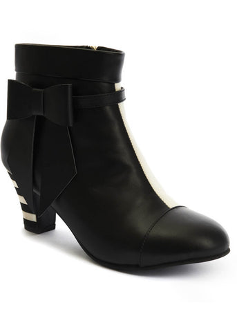 Lola Ramona Ava Changing 60's Booties Black Cream