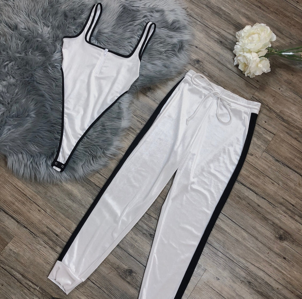High Maintenance Set - White