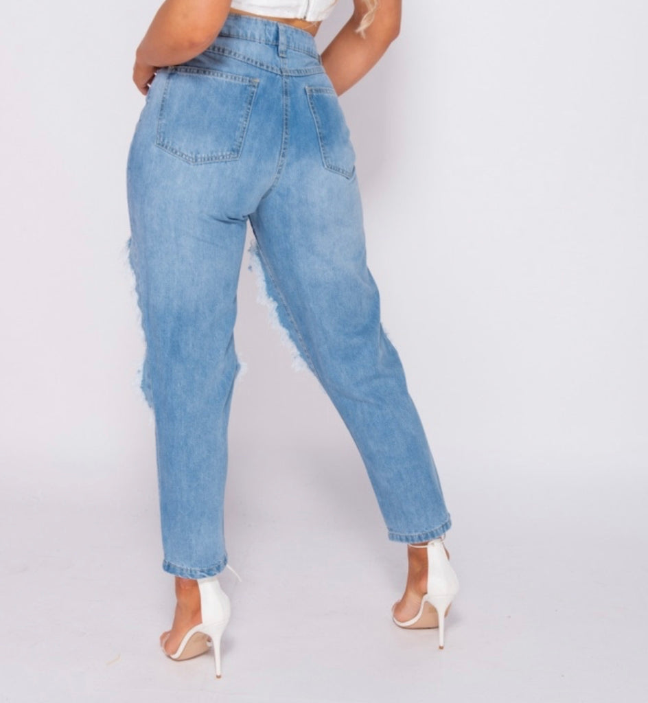 Bet On It Mom Jeans - Light Wash