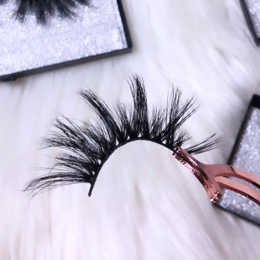 Divine Lashes (25MM)